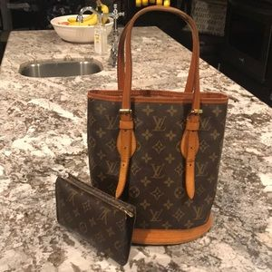 Louis Vuitton Petite bucket with make up bag